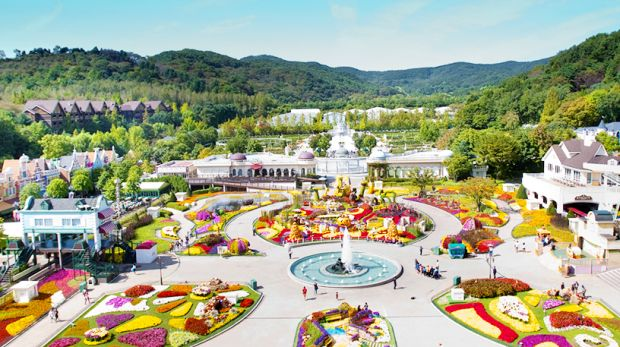 samsung and theme park essay Free essay: the free-falling thrill ride, featuring ski-lift style seating in which the  riders faced  essay about samsung and theme park in korea.