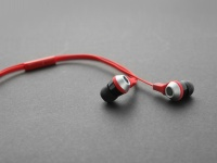 COWON Launches EM1 Earphones