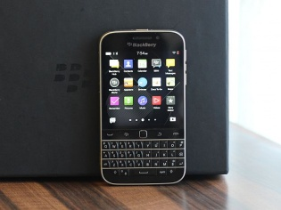 BlackBerry Classic Review: Back To Its Roots